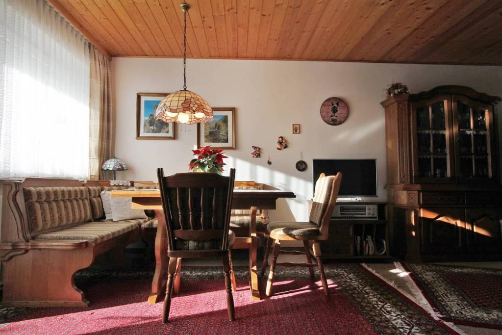 Appartamento in buone condizioni arredato in vendita Rif. 9269594