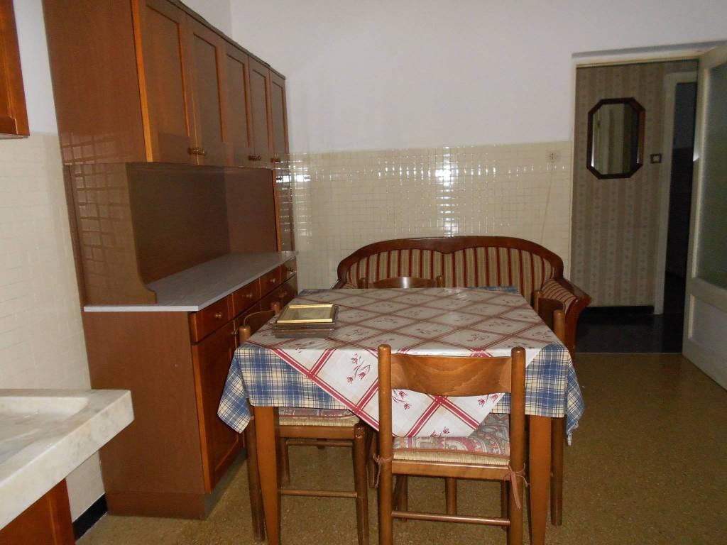 Appartamento in buone condizioni parzialmente arredato in affitto Rif. 9272504