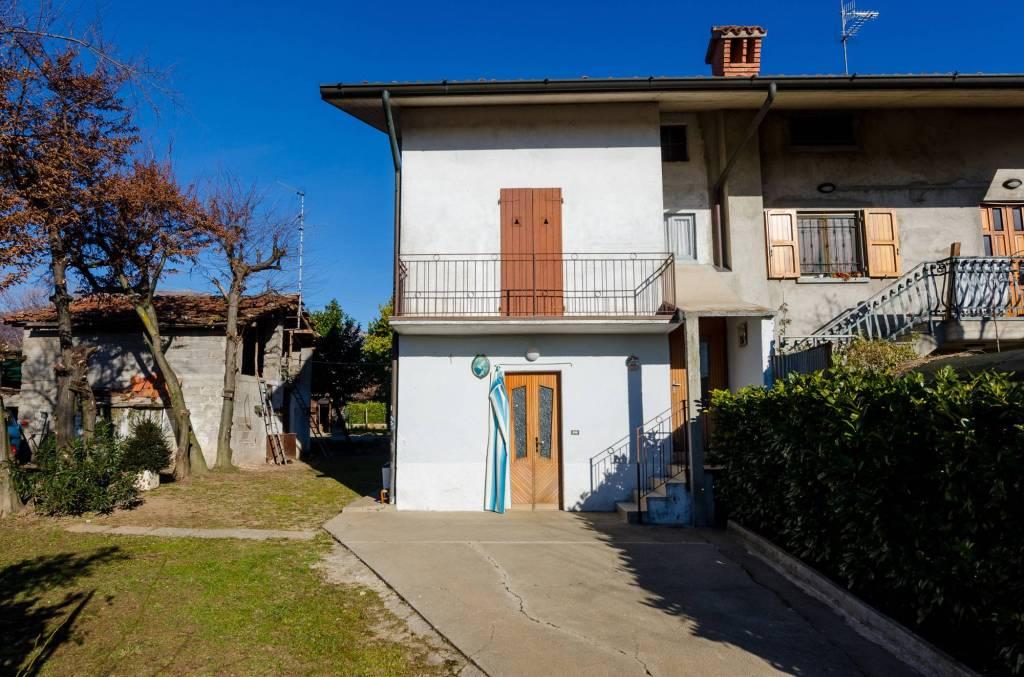 Casa Indipendente in buone condizioni in vendita Rif. 9270170