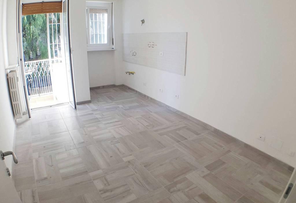 Appartamento in ottime condizioni in vendita Rif. 9276154