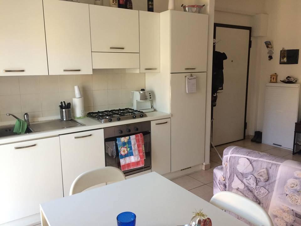 Appartamento in ottime condizioni arredato in affitto Rif. 9269619