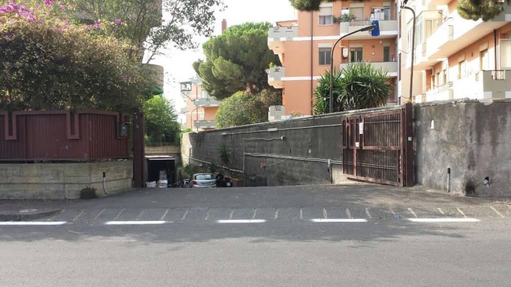 Magazzino 6 locali in vendita a Catania (CT)