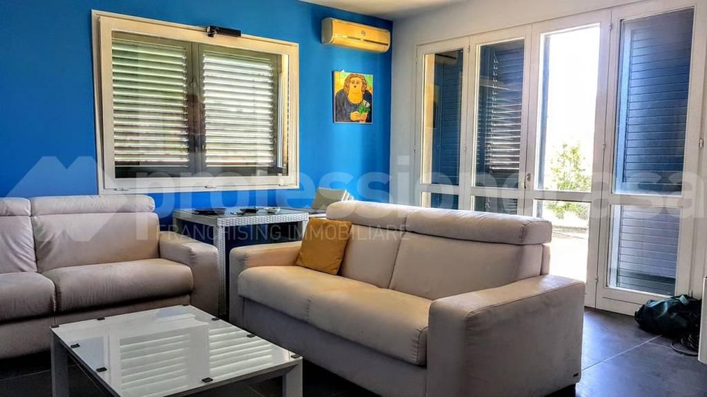 Appartamento in ottime condizioni in vendita Rif. 9273335