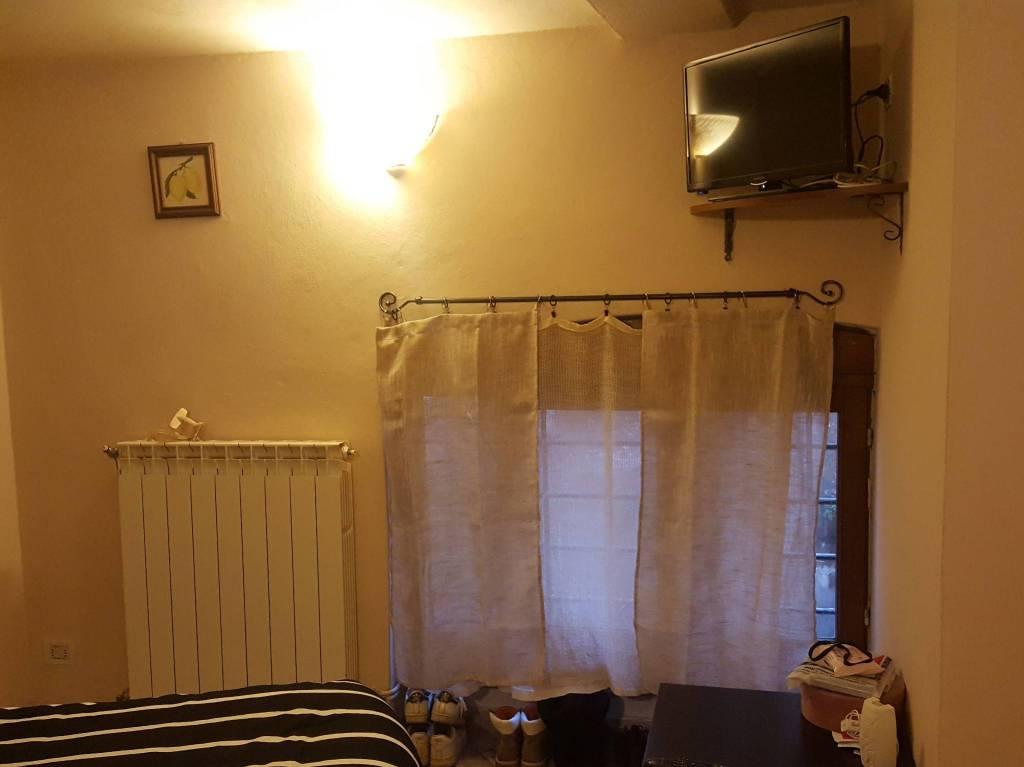 Appartamento in buone condizioni arredato in affitto Rif. 9272717