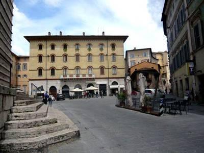 Appartamento in Affitto a Perugia Centro: 2 locali, 65 mq