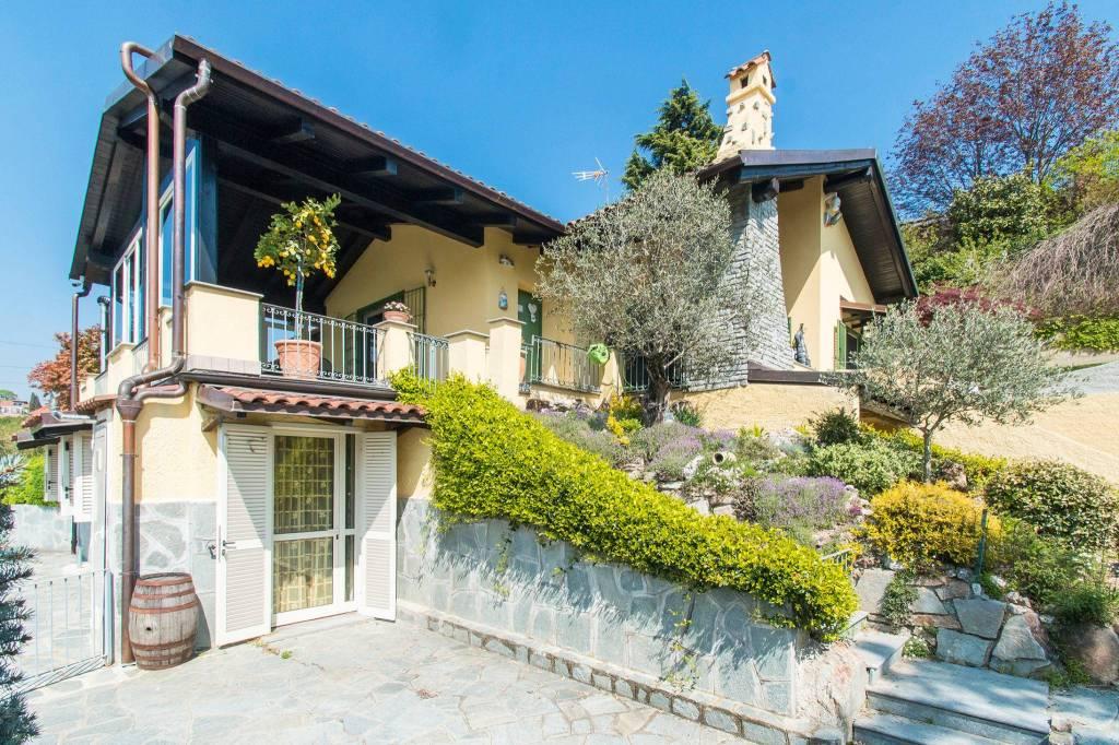 Villa in ottime condizioni parzialmente arredato in vendita Rif. 9274109