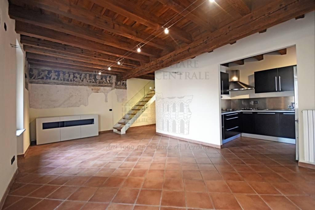 Appartamento in ottime condizioni in vendita Rif. 9268921