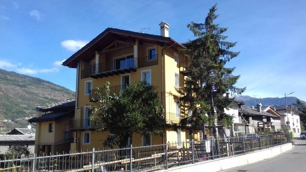 Appartamento in ottime condizioni arredato in vendita Rif. 8020050