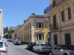 Appartamento in ottime condizioni arredato in affitto Rif. 9274499