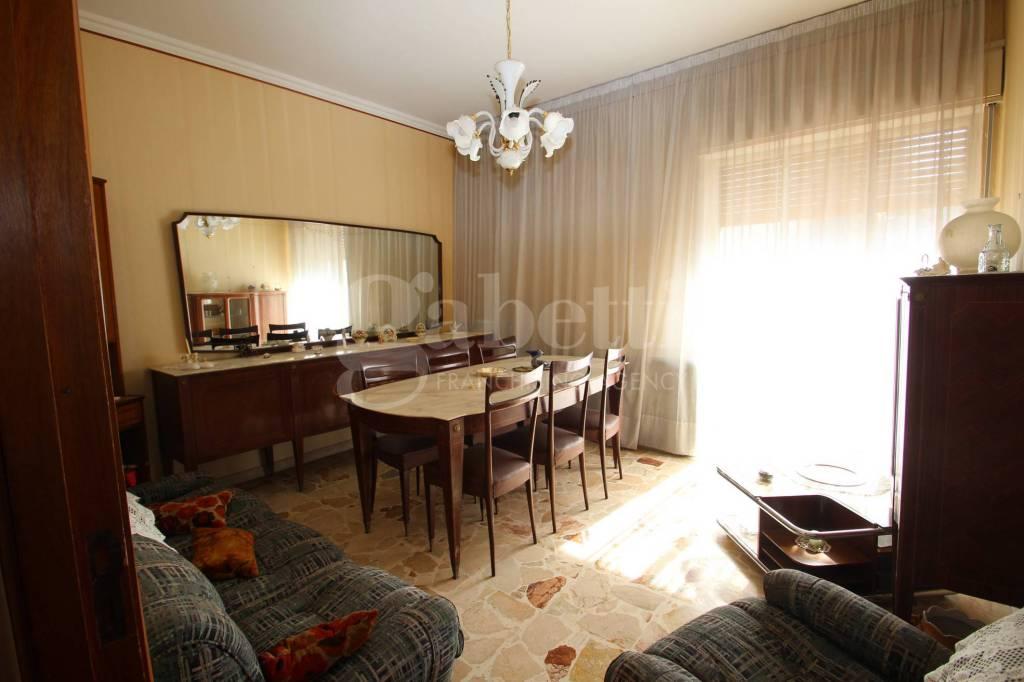 Appartamento quadrilocale in vendita a Gravina di Catania (CT)