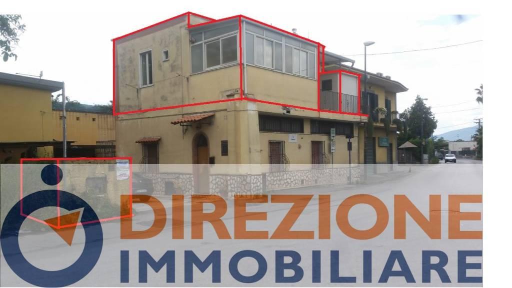 Appartamento in buone condizioni in vendita Rif. 9273352