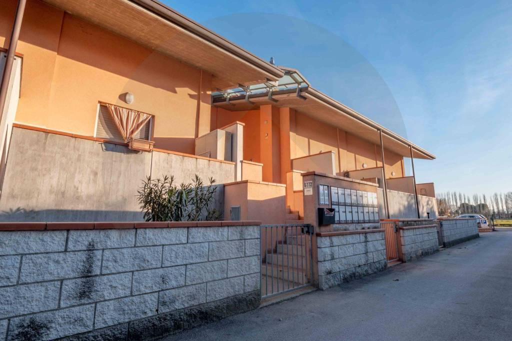 Appartamento in buone condizioni arredato in vendita Rif. 9270290