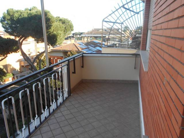 Appartamento in vendita a Roma, 2 locali, zona Zona: 31 . Giustiniana, Tomba di Nerone, Cassia, prezzo € 285.000 | CambioCasa.it