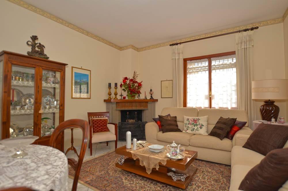 S.A Li Battiati: 122 mq in residence, giardino e garage