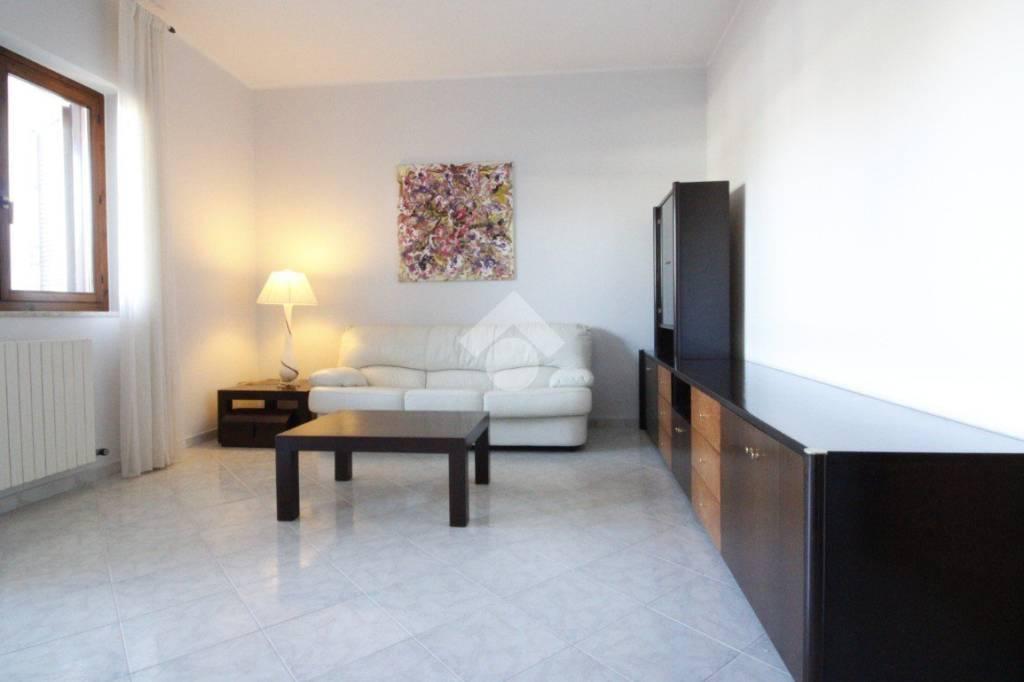 Villa in buone condizioni arredato in vendita Rif. 9291139