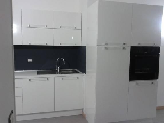 Appartamento in ottime condizioni arredato in affitto Rif. 9290042