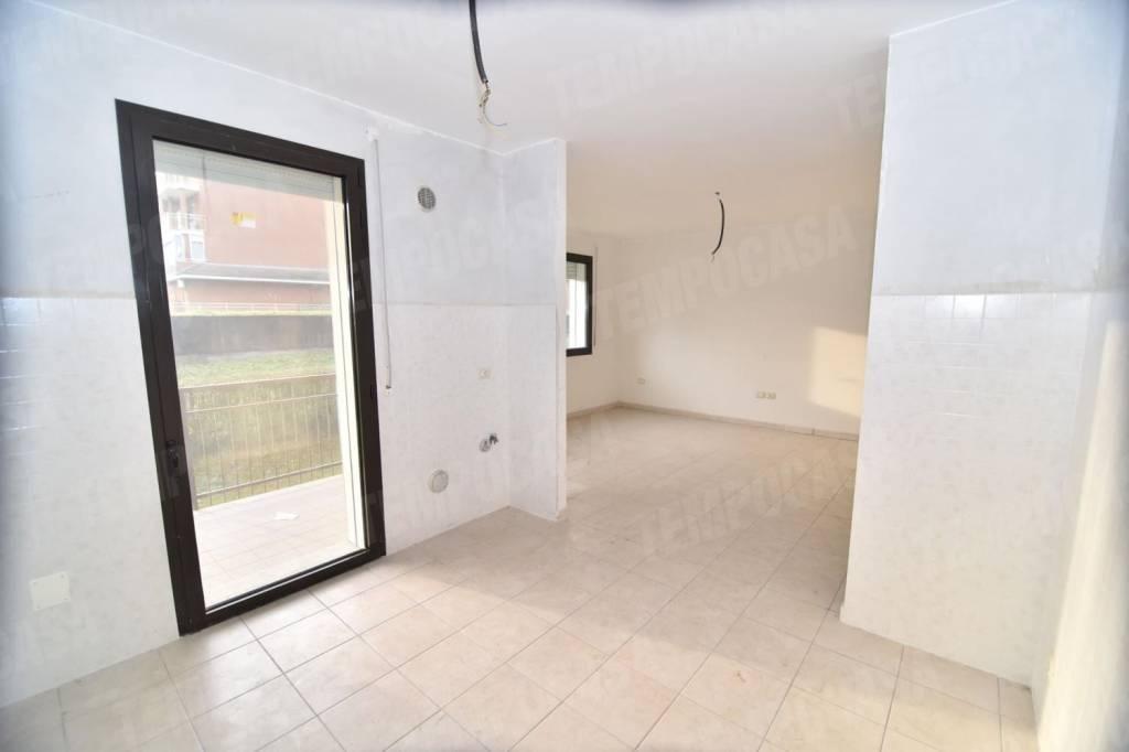 Appartamento in buone condizioni in vendita Rif. 9287409