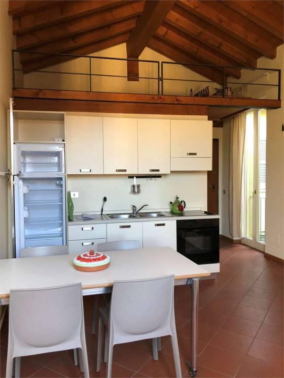 Appartamento in ottime condizioni arredato in affitto Rif. 9286920
