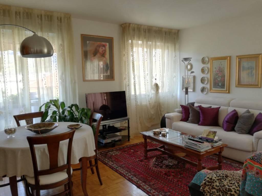 Ampio 2 stanze con salone, cucina abitabile e garage