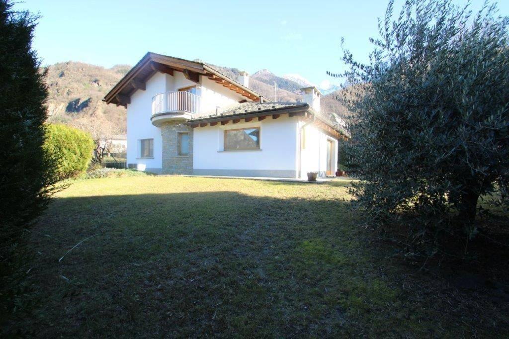 Villa 5 locali in vendita a Prata Camportaccio (SO)