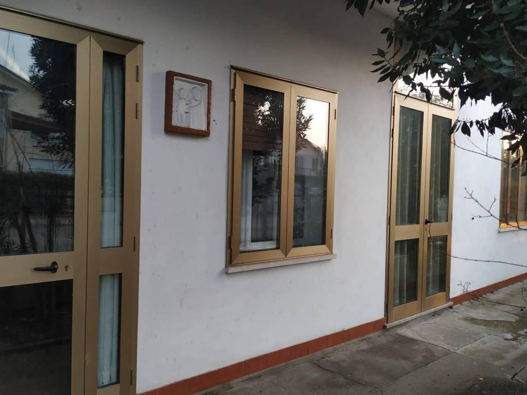 Villa 6 locali in vendita a Rovigo (RO)
