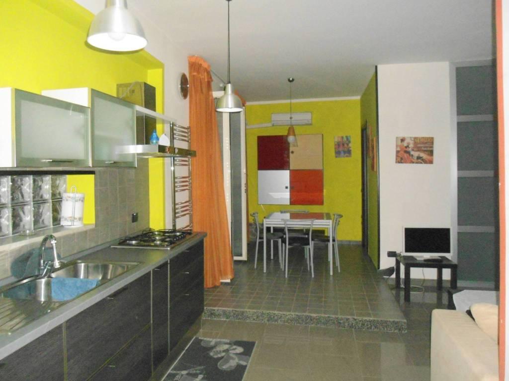 Appartamento in ottime condizioni arredato in affitto Rif. 9285278