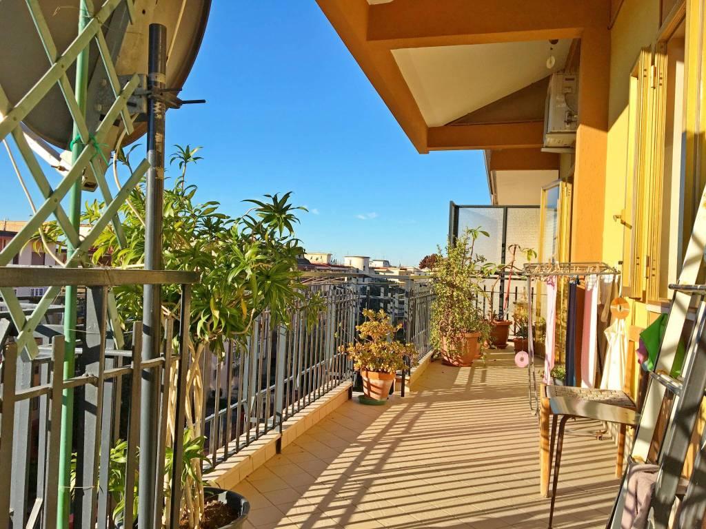 Appartamento in buone condizioni in vendita Rif. 9288202