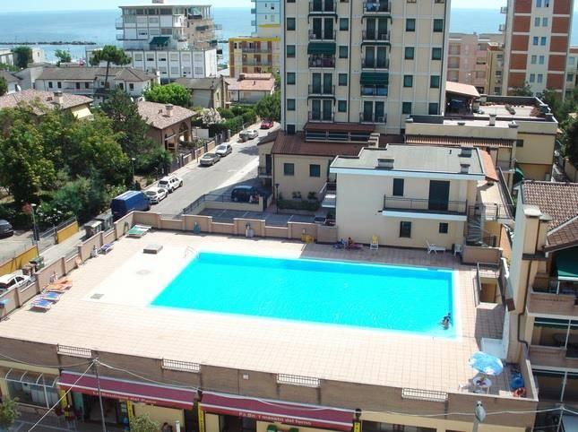 Appartamento in ottime condizioni arredato in vendita Rif. 9287470
