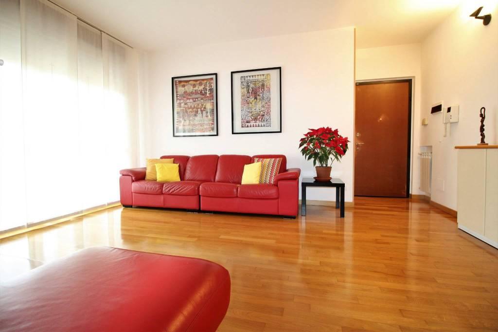 Appartamento in ottime condizioni in vendita Rif. 9289743