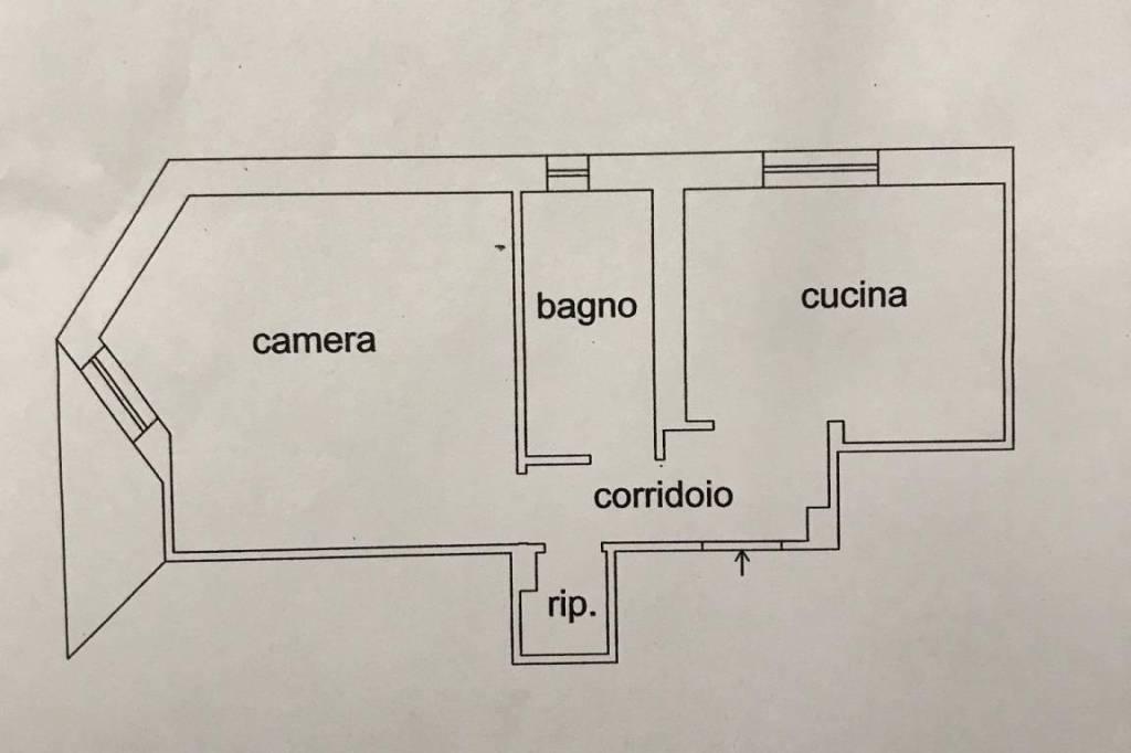 Appartamento in buone condizioni in affitto Rif. 9293274