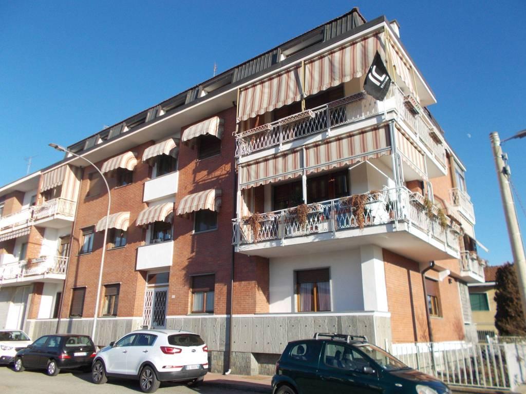 Appartamento in ottime condizioni in vendita Rif. 9289639