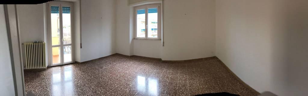 Appartamento in buone condizioni in vendita Rif. 9289029