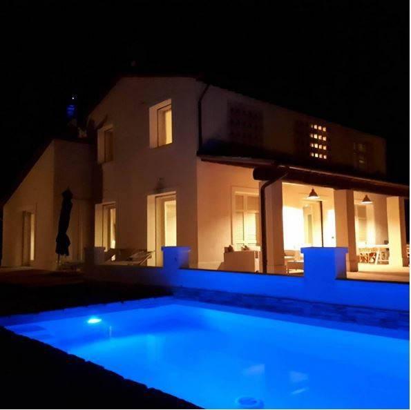 Villa in ottime condizioni parzialmente arredato in vendita Rif. 9287241