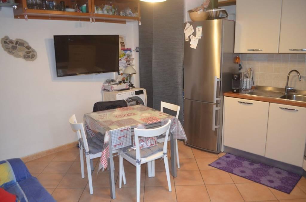 Appartamento in ottime condizioni in vendita Rif. 9289008