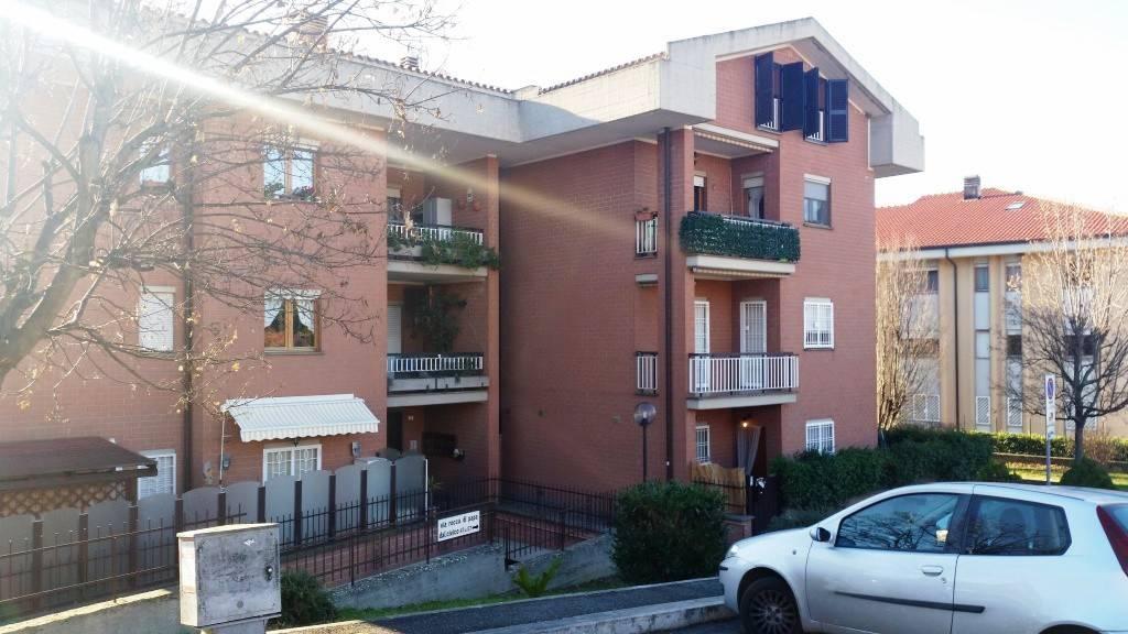 Appartamento in buone condizioni parzialmente arredato in affitto Rif. 9287287
