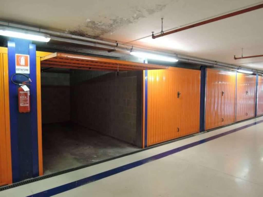 Foto 1 di Box / Garage via strada torino 2, Moncalieri