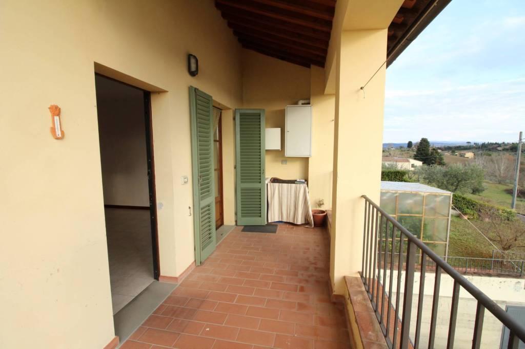 Appartamento in ottime condizioni in affitto Rif. 9288112