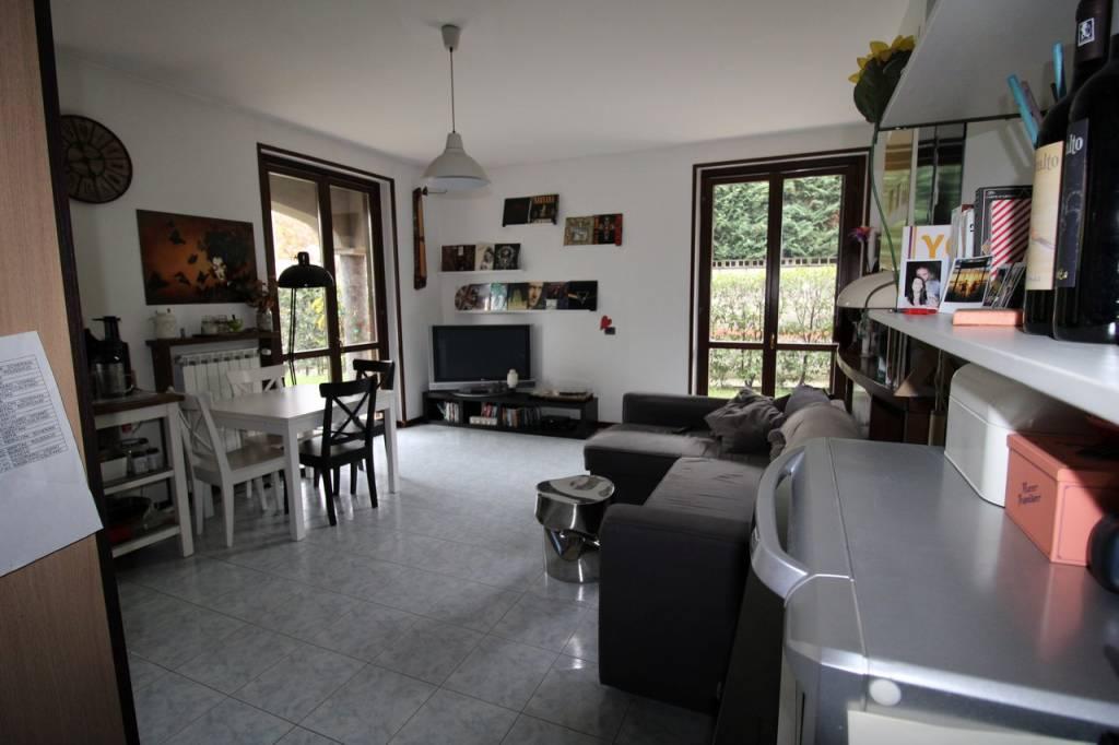 Appartamento con Taverna e giardino