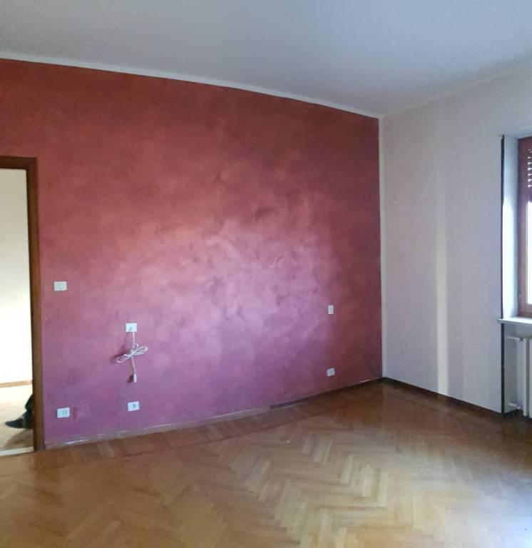 Appartamento in buone condizioni in affitto Rif. 9177399