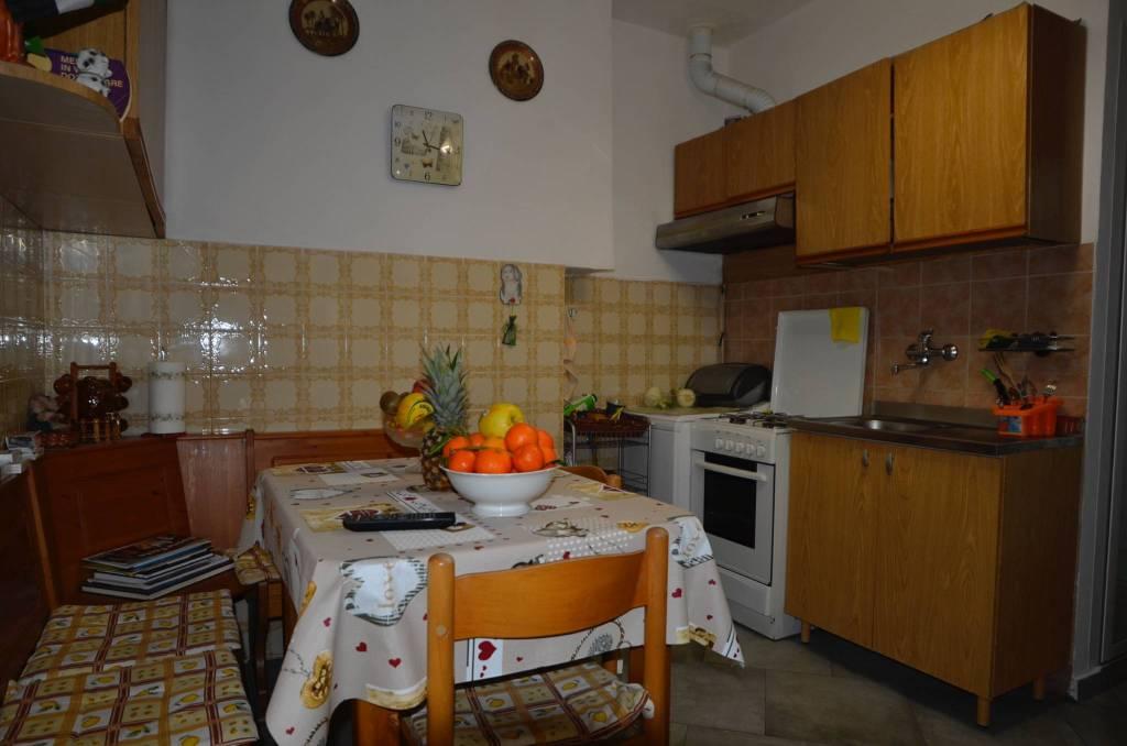 Appartamento in buone condizioni in vendita Rif. 9291291