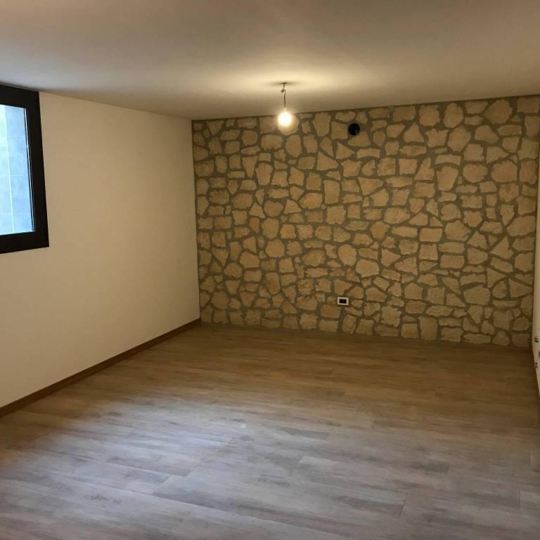 Appartamento in ottime condizioni in vendita Rif. 9288470