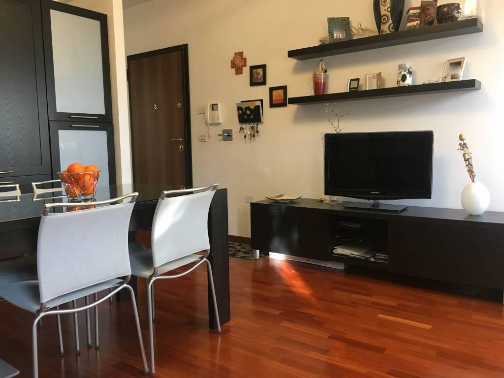 Appartamento in ottime condizioni in vendita Rif. 9303856