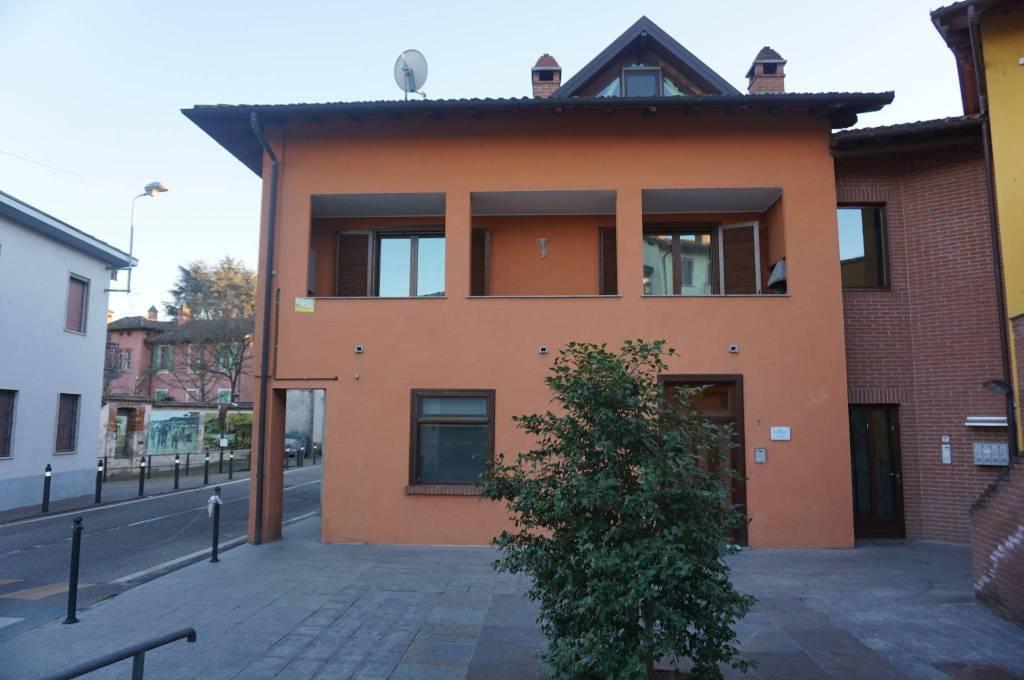 Appartamento in ottime condizioni in vendita Rif. 9287126
