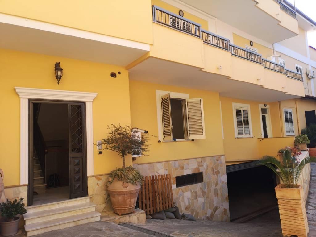 Appartamento 4 vani con terrazzo in vendita a San Nicola