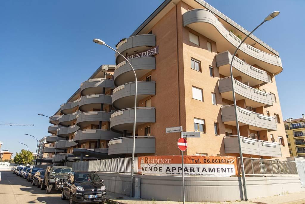 Viterbo Via Adolfo Consolini appartamento con giardino