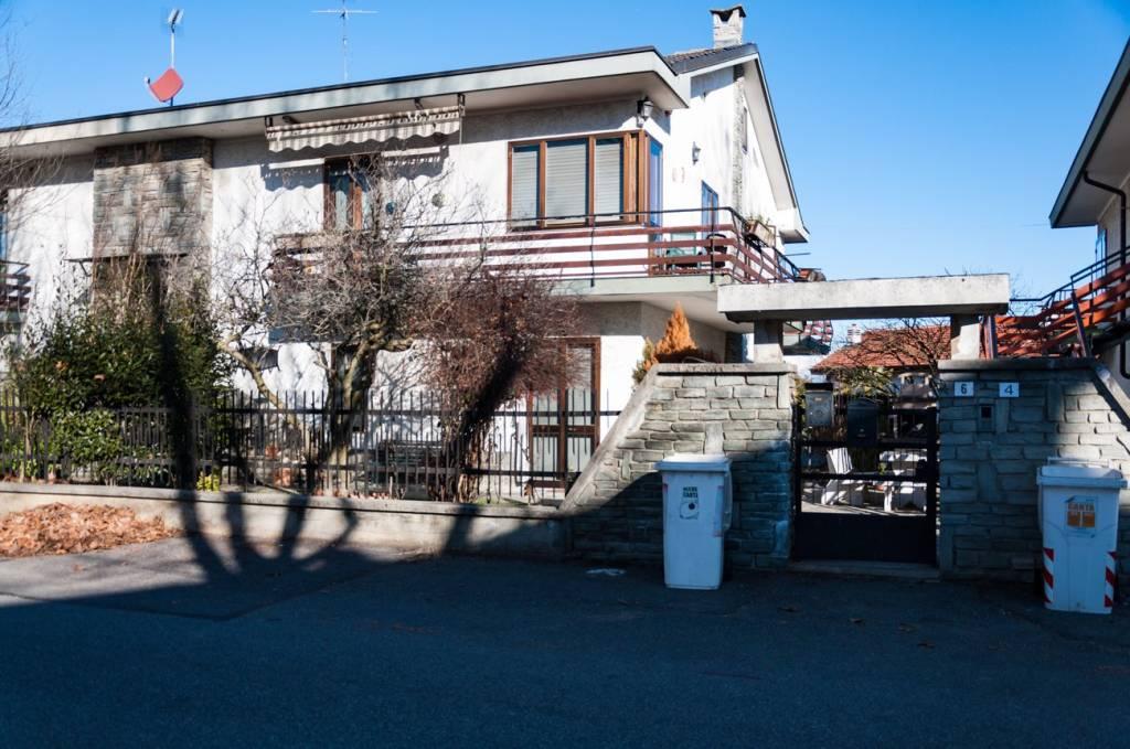 Foto 1 di Villa via Ugo Foscolo 6, Druento