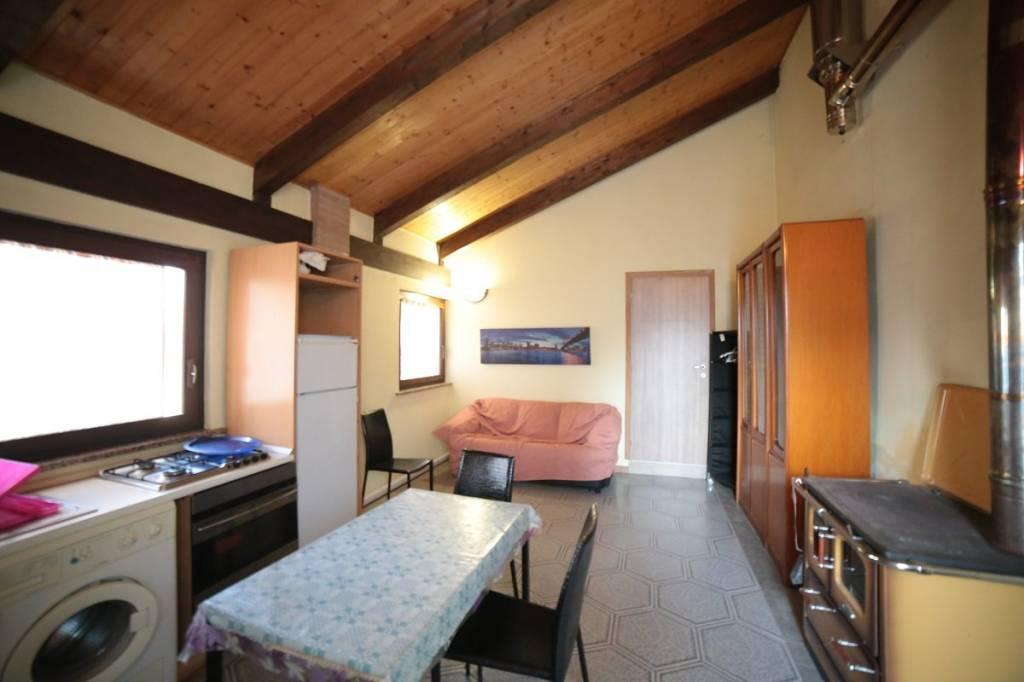 Appartamento arredato in affitto Rif. 8650117