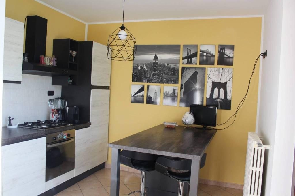 Appartamento in ottime condizioni parzialmente arredato in affitto Rif. 9484221