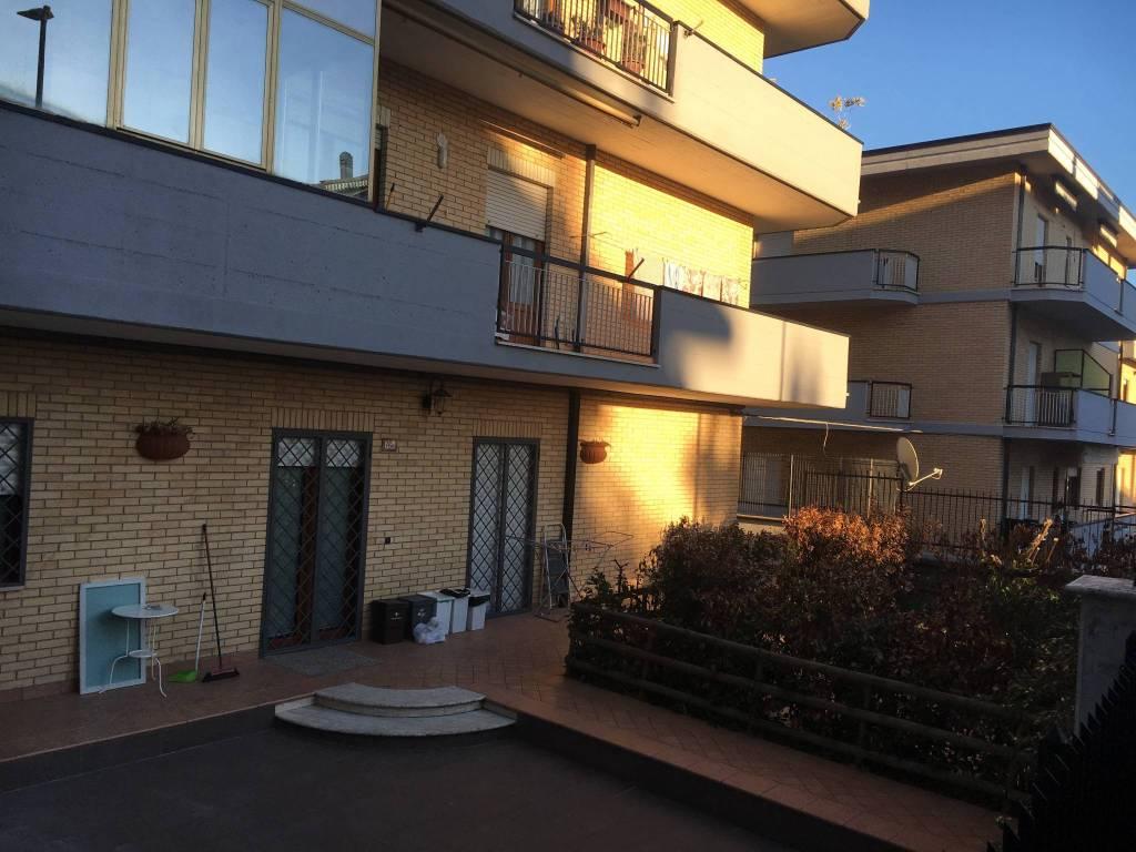 Appartamento in ottime condizioni parzialmente arredato in vendita Rif. 9289246