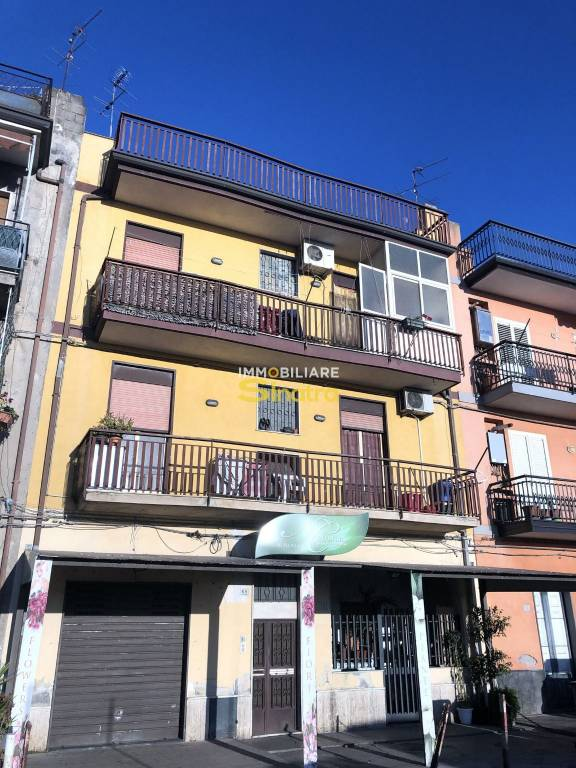 Appartamento in buone condizioni in vendita Rif. 9302261